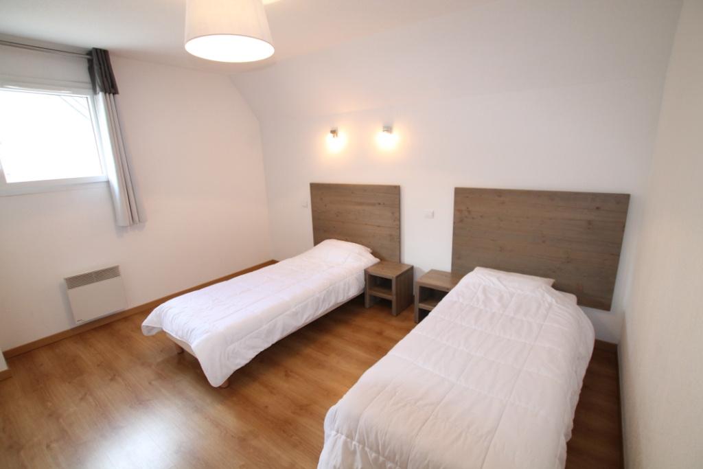 Prix en baisse saint mamet appartement de type 4 de 82 m for Prix appartement